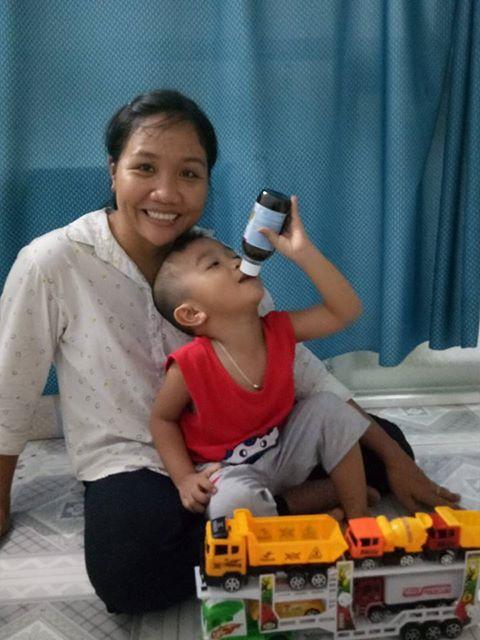 Bé Thuận và mẹ Thủy trú tại đường số 9, khu CN Tân Đức, xã Đức Hòa Hạ, huyện Đức Hòa, tỉnh Long An