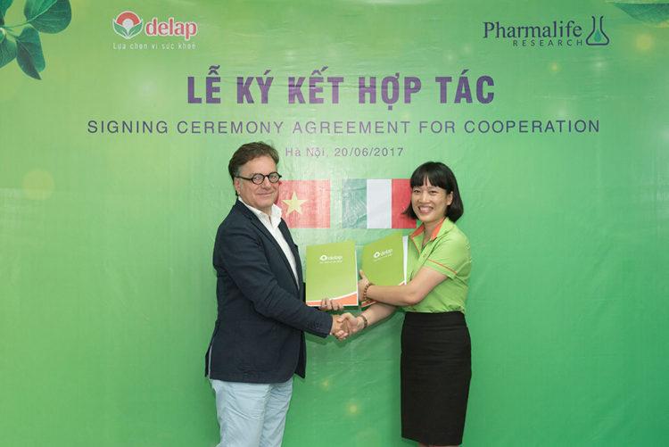 Lễ ký kết hợp tác giữa công ty Dược phẩm Delap và Pharmalife Research