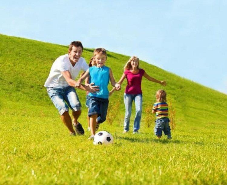 Vận động giúp trẻ tăng sức đề kháng lúc giao mùa