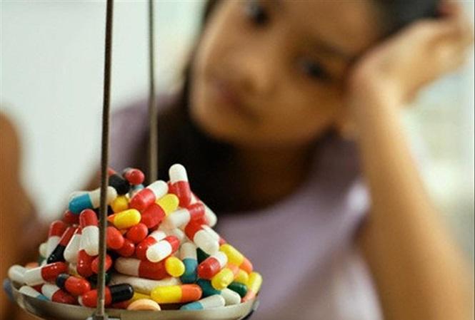 Lạm dụng kháng sinh gây nhiều hậu quả khôn lường đối với sức khỏe trẻ