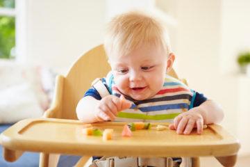 Cha mẹ nên khuyến khích con khám phá các món ăn