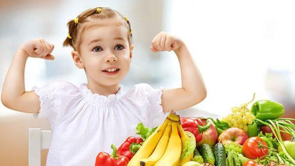 Trẻ cần bổ sung đủ vi chất để tăng cường miễn dịch