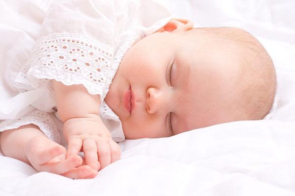 Tiếng ồn trắng chỉ là giải pháp tạm thời giúp trẻ ngủ ngon