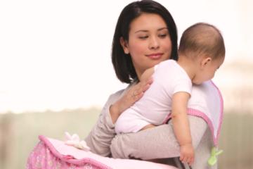 Mách mẹ 3 cách vỗ ợ hơi cho trẻ sơ sinh cực nhạy