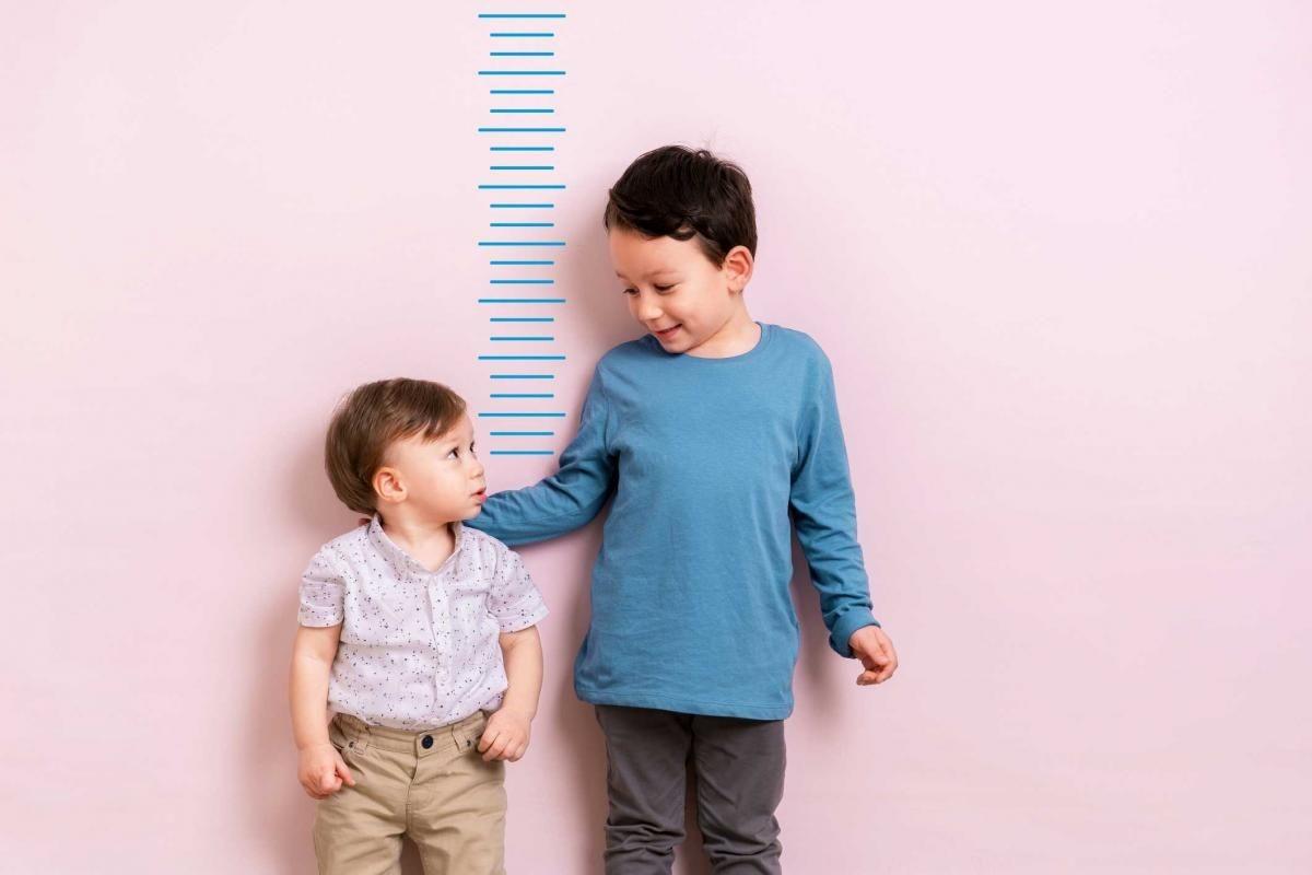 Yếu tố nào ảnh hưởng đến chiều cao của trẻ?